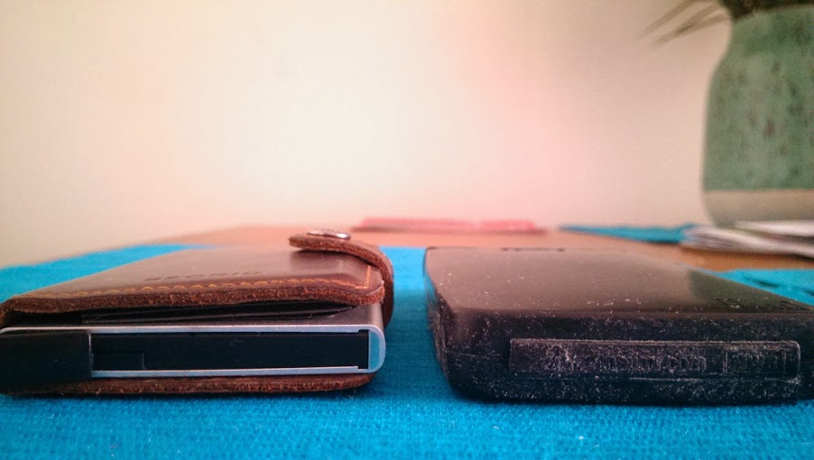 Secrid wallet Jimi wallet thickness comparison close-up